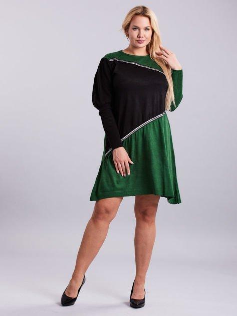 Zielono-czarna sukienka dzianinowa PLUS SIZE                              zdj.                              4