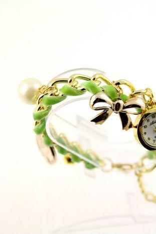 Zielono- złoty zegarek damski na złotej bransolecie.                                   zdj.                                  2