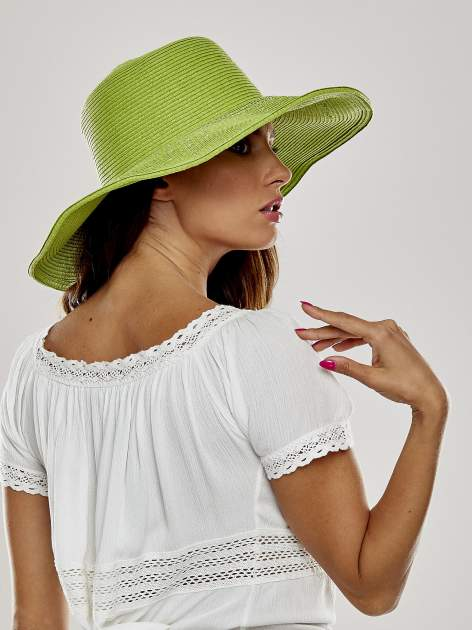Zielony kapelusz słomiany z dużym rondem i kryształkami                                  zdj.                                  3