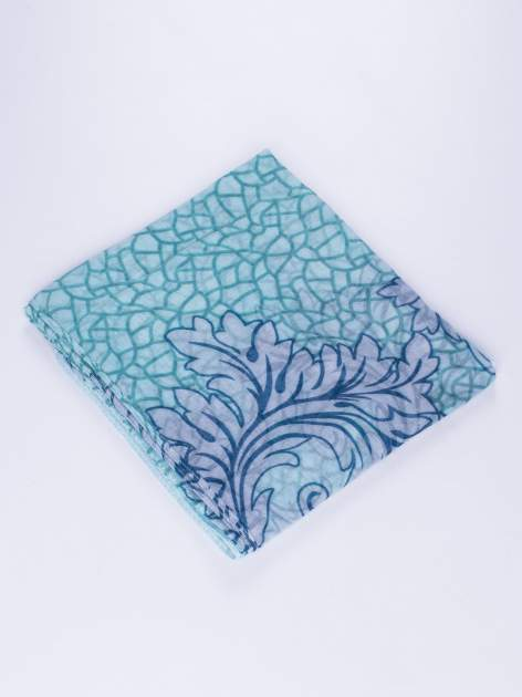 Zielony komin z mozaikowym wzorem i motywem liści                                  zdj.                                  2