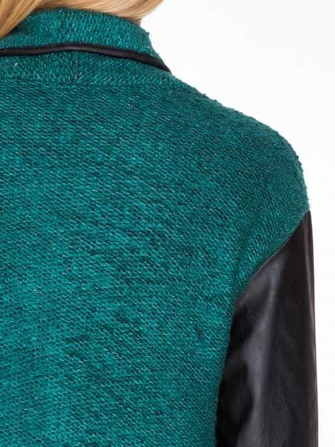 Zielony otwarty płaszcz ze skórzanymi rękawami                                  zdj.                                  9
