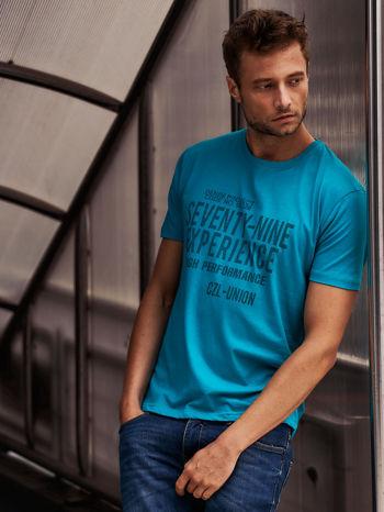 Zielony t-shirt męski z nadrukiem napisów                                  zdj.                                  1