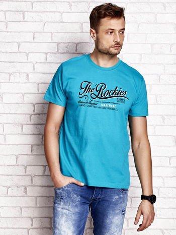 Zielony t-shirt męski z nadrukiem napisu THE ROCKIES                                  zdj.                                  1