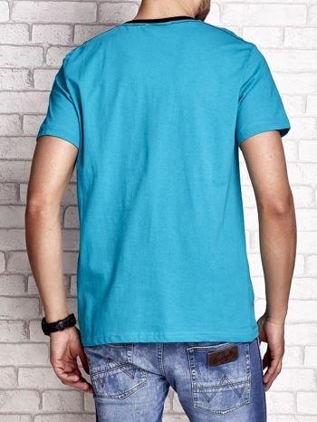 Zielony t-shirt męski z napisem RAMOS i nadrukiem                                  zdj.                                  2