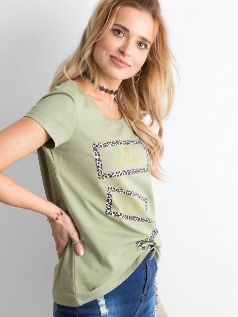Zielony t-shirt z nadrukiem                              zdj.                              3