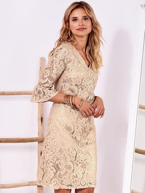 Złota koronkowa sukienka z szerokimi rękawami                              zdj.                              1