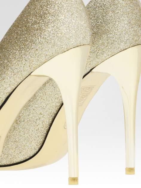 Złote brokatowe szpilki w szpic na złotym obcasie                                  zdj.                                  6