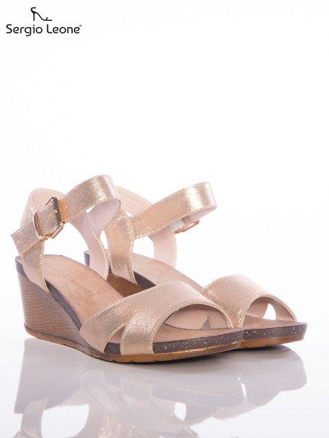 Złote sandały Sergio Leone na koturnach                                  zdj.                                  2