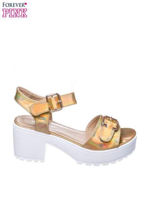 Złote sandały z klamrami na grubej traktorowej podeszwie                                  zdj.                                  1