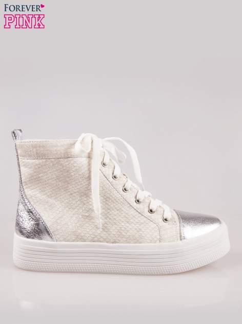 Złote wężowe sneakersy za kostkę ze srebrnym noskiem i zapiętkiem