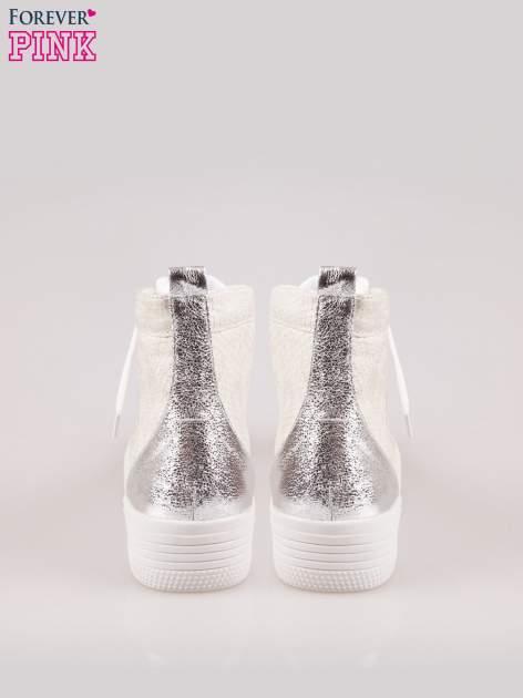 Złote wężowe sneakersy za kostkę ze srebrnym noskiem i zapiętkiem                                  zdj.                                  4
