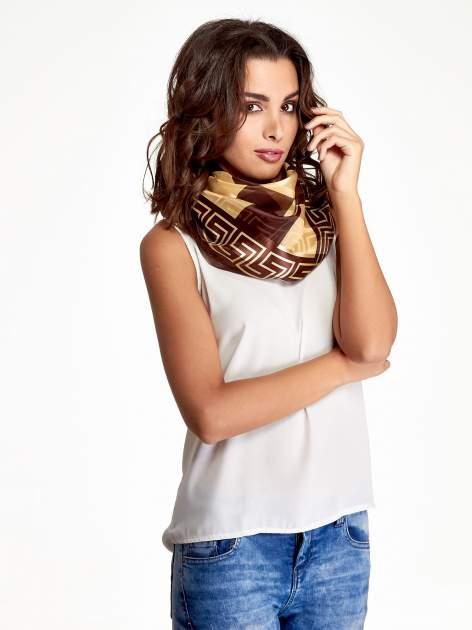 Złoto-brązowa chusta apaszka we wzór geometryczny
