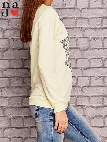 Żółta bluza z ornamentowym nadrukiem                                  zdj.                                  3