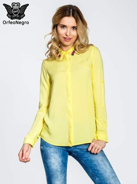 Żółta bluzka koszulowa z biżuteryjnym kołnierzykiem                                  zdj.                                  1