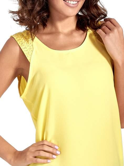 Żółta bluzka koszulowa z koralikami przy ramionach                                  zdj.                                  6