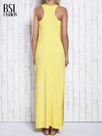 Żółta dekatyzowana sukienka maxi z cekinowym kwiatem                                  zdj.                                  2