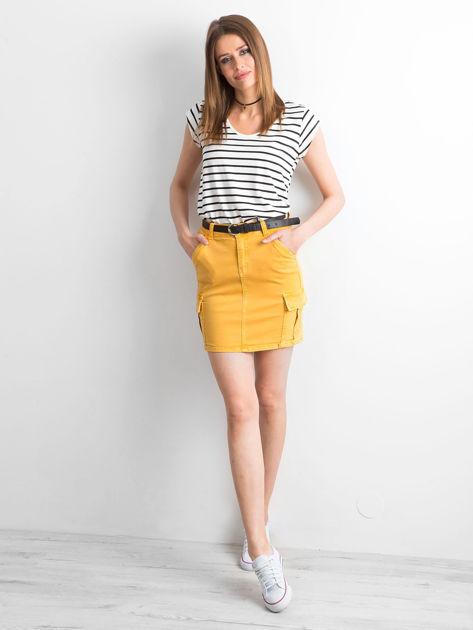 Żółta jeansowa spódnica z kieszeniami                              zdj.                              4