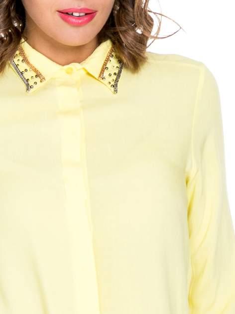 Żółta koszula z kołnierzykiem zdobionym koralikami                                  zdj.                                  5