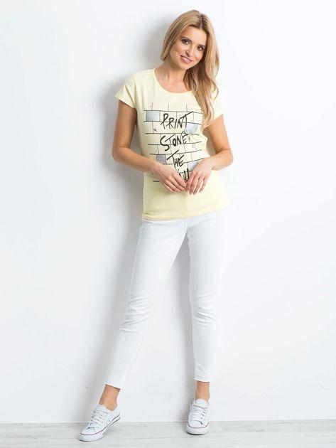 Żółta koszulka damska z nadrukiem                              zdj.                              4