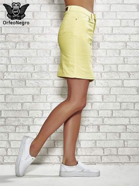 Żółta spódnica z zapięciem na guzik                                  zdj.                                  3