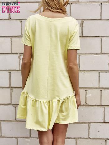 Żółta sukienka dresowa z falbanami z boku                                  zdj.                                  2