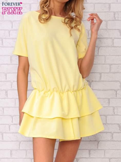 Żółta sukienka dresowa z podwójną falbaną                                  zdj.                                  1