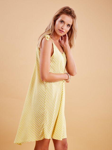 Żółta sukienka w paski wiązana na ramionach                              zdj.                              3