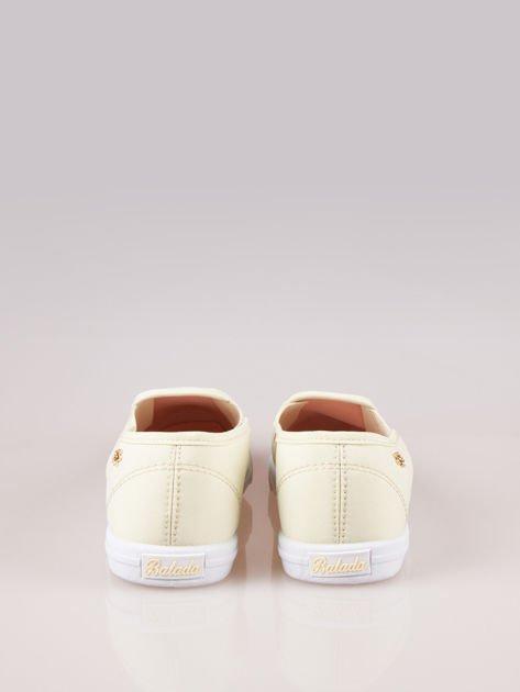 Żółte buty slip on                                  zdj.                                  3