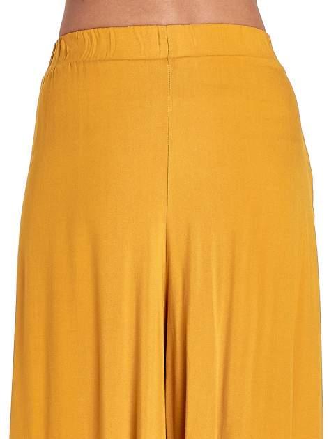 Żółte zwiewne spodnie typu culottes                                  zdj.                                  6