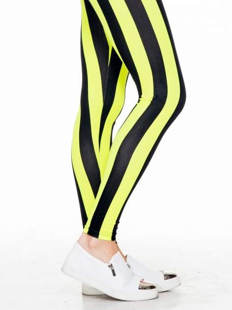 Żółto-czarne wyszczuplające legginsy w pionowe paski                                  zdj.                                  6