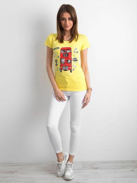 Żółty t-shirt z kolorowym nadrukiem                              zdj.                              4