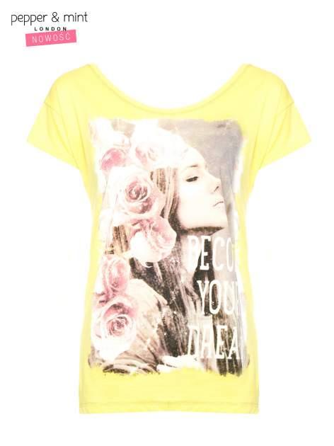 Żółty t-shirt z nadrukiem dziewczyny                                  zdj.                                  1