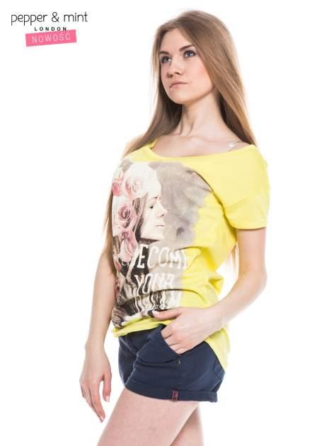 Żółty t-shirt z nadrukiem dziewczyny                                  zdj.                                  3