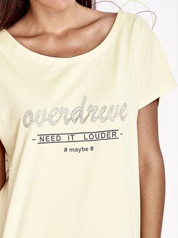 Żółty t-shirt z napisem NEED IT LOUDER                                  zdj.                                  5