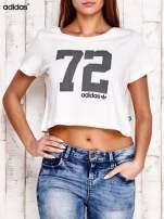 ADIDAS Ecru krótki t-shirt z nadrukiem                                   zdj.                                  1