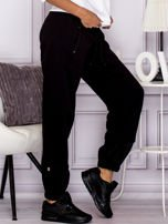 Bawełniane spodnie dresowe z wężowymi wstawkami czarne                                  zdj.                                  3
