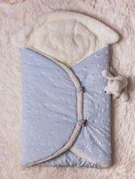 Becik rożek niemowlęcy na futerku zapinany na guziki niebieski                                  zdj.                                  1