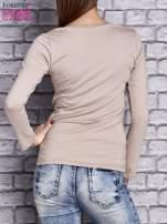 Beżowa gładka bluzka ze sznurowanym dekoltem i troczkami                                   zdj.                                  4