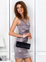 Beżowa sukienka z kopertowymi falbanami                                  zdj.                                  5