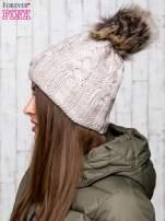 Beżowa wełniana czapka z pomponem                                  zdj.                                  2