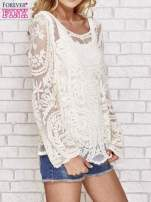 Beżowy ażurowy sweterk mgiełka z rozszerzanymi rękawami                                                                          zdj.                                                                         3