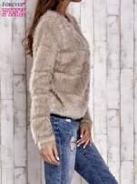 Beżowy puszysty sweter zapinany na suwak                                                                          zdj.                                                                         3