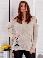 Beżowy sweter z dziurami                                  zdj.                                  1