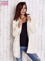Beżowy sweter z koralikami shamballa                                  zdj.                                  8