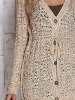 Beżowy sweter zapinany na guziki                                  zdj.                                  5