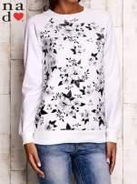 Biała bluza z kwiatowym nadrukiem                                  zdj.                                  1