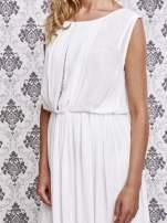 Biała grecka sukienka maxi z koronką z tyłu