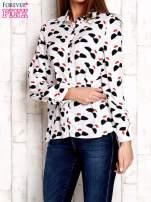 Biała koszula z kobiecym nadrukiem