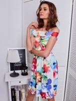 Biała sukienka w kolorowe kwiaty                                  zdj.                                  5