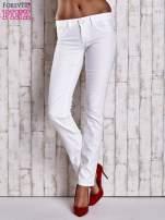 Białe spodnie regular jeans z napami                                  zdj.                                  1